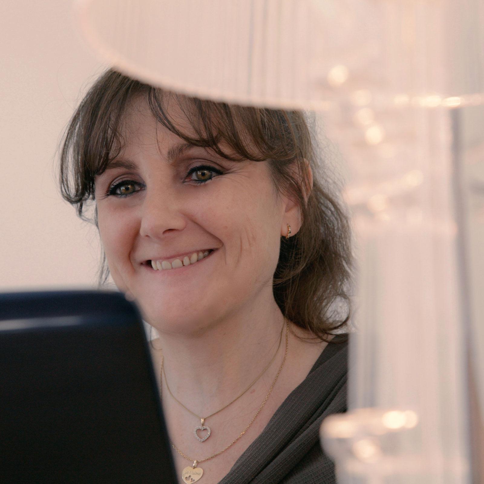 Madame Séverine SANTFONS Accueil secrétariat